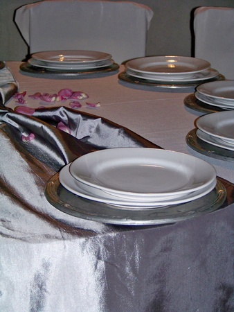 Silver and white celebration elegant circular table in vertical