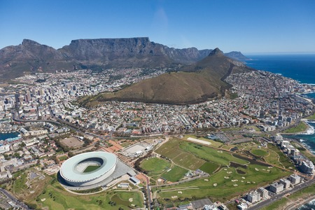 Photo pour Aerial view of Cape town South Africa from a helicopter. Panorama Cape Town South Africa from birds eye view on a sunny day - image libre de droit