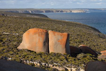 Photo pour Remarkable Rocks, in the southern part of the Flinders Chase National Park. - image libre de droit