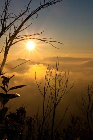 Foto de Sunset view of Phu rua mountain,Thailand - Imagen libre de derechos