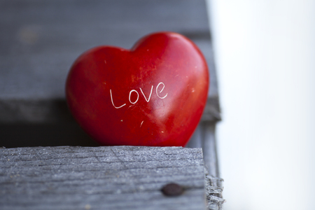 red heart on wooden background, valentines background