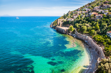 Photo pour Sea beach in Alanya, Turkey. Beautiful summer landscape - image libre de droit