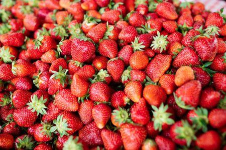 Photo pour Strawberry. Fresh organic berries macro. Fruit background - image libre de droit