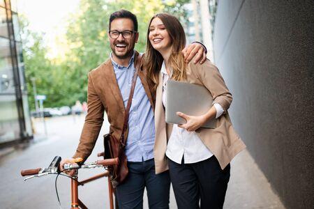 Photo pour Loving couple walking, smiling having fun in the city - image libre de droit