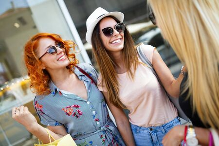Photo pour Group of beautiful women smiling and having fun together - image libre de droit