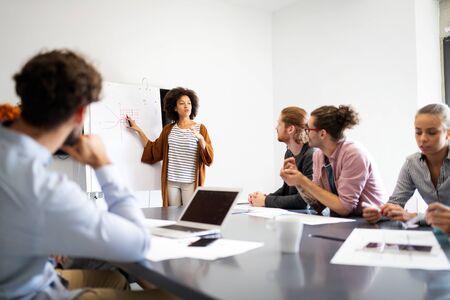 Photo pour Business people good teamwork in office. Teamwork successful meeting workplace concept. - image libre de droit