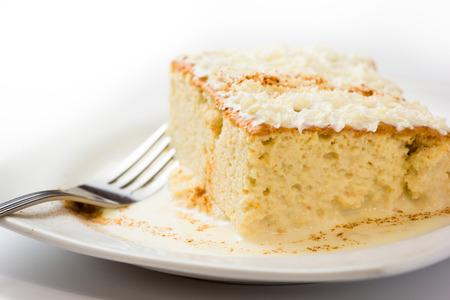 Photo pour Three milk cake, Traditional dessert of Latin America - image libre de droit