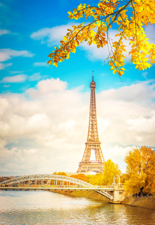 Photo pour eiffel tour over Seine river with tree, Paris, France at fall - image libre de droit