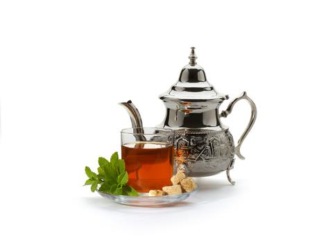 Photo pour Traditional moroccan tea - image libre de droit