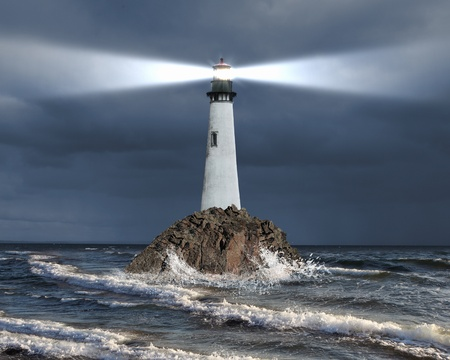 Photo pour Image of a lighthouse with a strong beam of light - image libre de droit