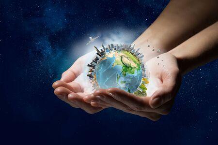 Photo pour This world needs care and protection - image libre de droit