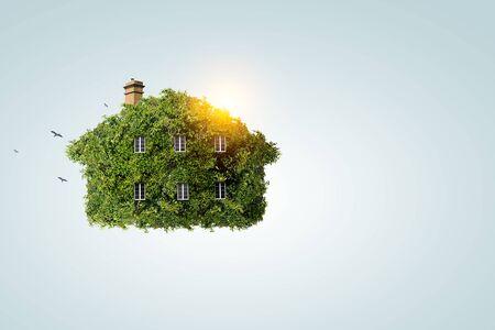 Photo pour Green house as symbol of ecology - image libre de droit