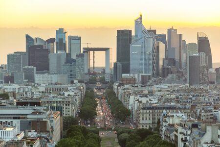 Photo pour Paris, France - June 24, 2016: Sunset view of Paris from the top of Triumphal Arch de l Etoile. - image libre de droit
