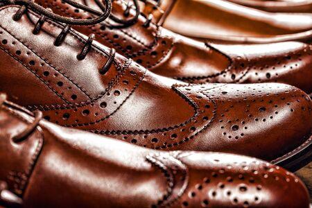 Photo pour Fashion classical polished men's brown oxford brogues - image libre de droit