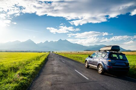 Foto de car for traveling with a mountain road. Slovakia - Imagen libre de derechos
