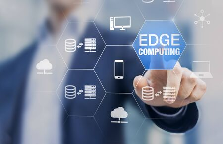 Photo pour Edge computing technology with distributed network performing computation and data storage near the user instead of in the cloud, internet service for IoT, gamelets and AI recognition, concept - image libre de droit