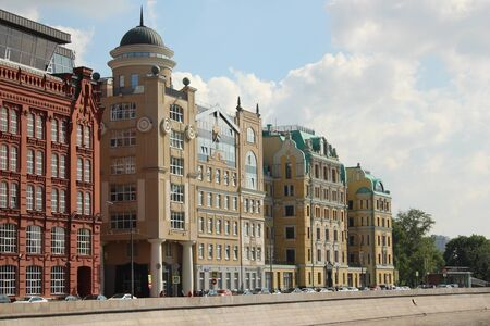 Yakimanskaya Quay, 2/12 (former workers barracks Golutvinsky manufactory Central Asian and domestic products). Moscow