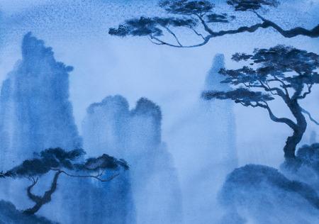 Foto de peace and quiet in the misty mountains - Imagen libre de derechos