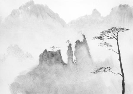 Photo pour high misty mountains and pines - image libre de droit