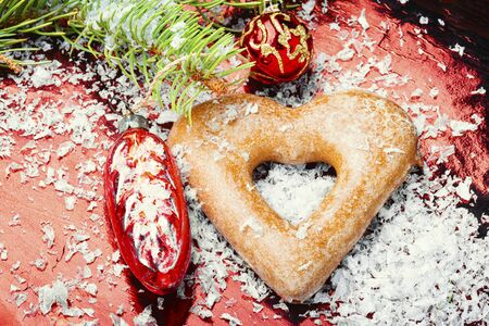 Photo pour Christmas homemade gingerbread or New Year cookies - image libre de droit
