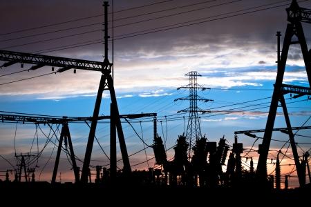 Photo pour Power lines at sunset - image libre de droit