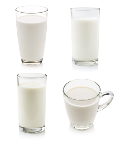 Photo pour Glass of milk isolated on white - image libre de droit