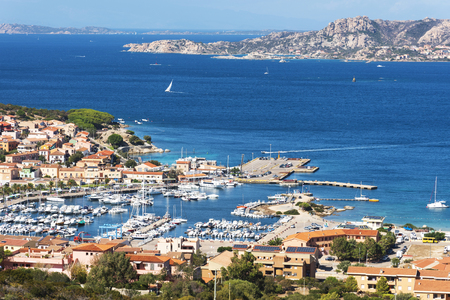 Photo pour A panoramic view over Palau, in Sardinia, Italy, with its marina in the foreground - image libre de droit