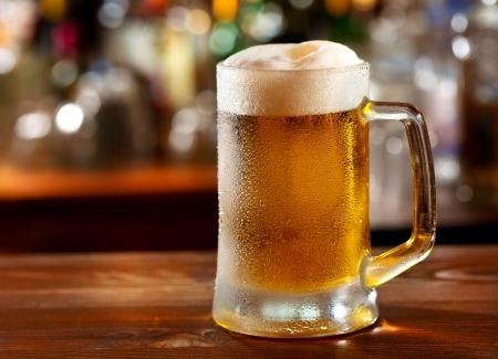 Foto de cold mug of beer  - Imagen libre de derechos