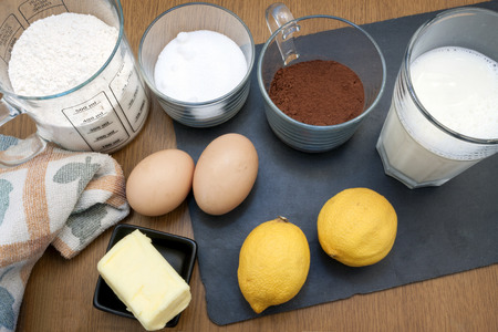 Photo pour some ingredients used in order to to a cake - image libre de droit