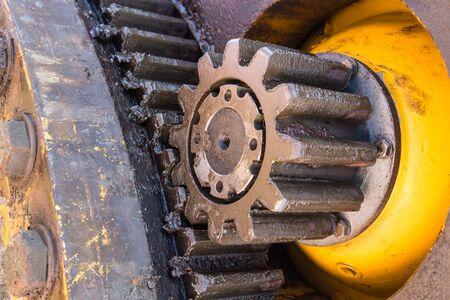 Photo pour engine gears crane  wheels, closeup view - image libre de droit