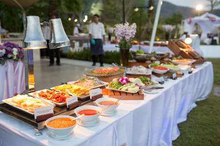 Photo pour thai dessert on buffet line - image libre de droit