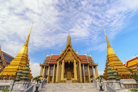 Foto für Bangkok Thailand, city skyline at Wat Phra Kaew temple - Lizenzfreies Bild