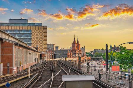 Photo pour Berlin Germany, sunset city skyline at Oberbaum Bridge and Berlin Metro - image libre de droit