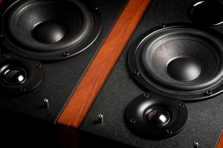 Photo pour Bookshelf speaker system for home entertainment. - image libre de droit