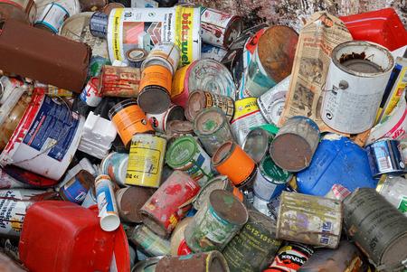 Photo pour Hazardous waste, paints and varnishes - image libre de droit
