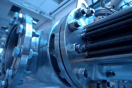 Photo pour Pipes, tubes, machinery and steam turbine at a power plant              - image libre de droit