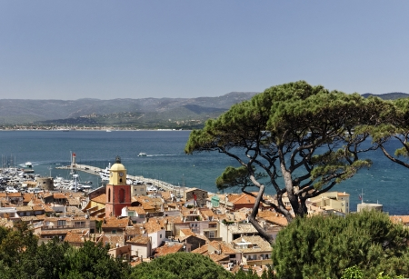Saint Tropez, look on Gulf of St Tropez with parish church, Cote d Azur, French Riviera, Southern France, Europe