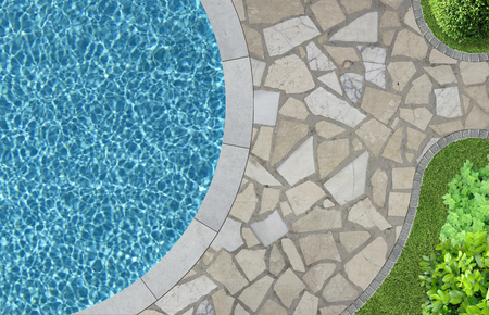 Photo pour swimming pool and garden detail in top view - image libre de droit