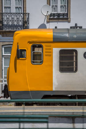 Photo pour Front view of a regional train, typical of the Portuguese train network, at the train station in the city of Peso da Regua... - image libre de droit