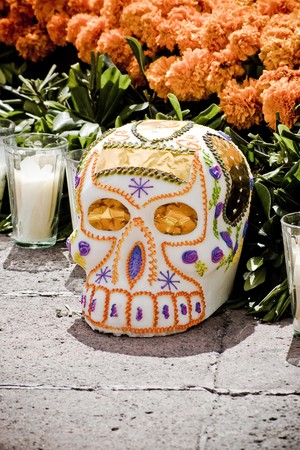 skull in offering dia de muertos