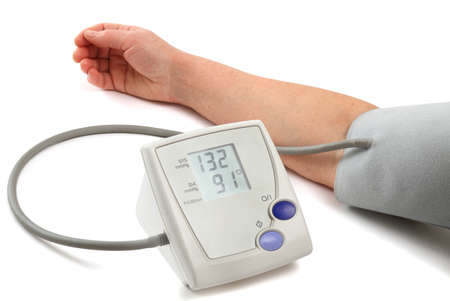 Measurement of a blood pressure with the help of an automatic tonometer