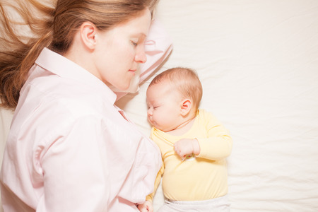 co-sleeping mother and baby