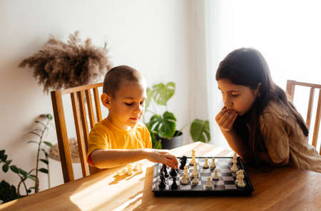Photo pour Quiet and calm family games at home - image libre de droit