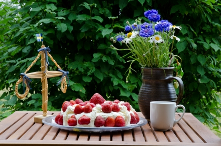 Strawberry cake at midsummer