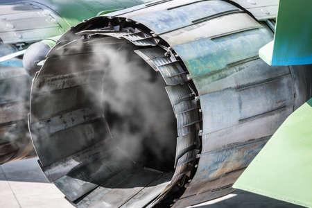 Photo pour cooling down adjustable nozzles of the combat aircraft engine after the flight - image libre de droit