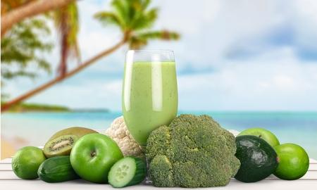 Photo pour Juice, Healthy Lifestyle, Green. - image libre de droit