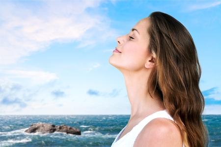 Photo pour Breathe, breath, woman. - image libre de droit