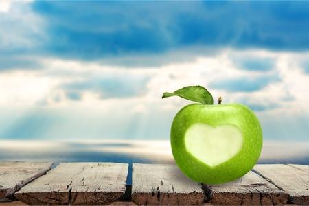 Photo pour Apple, Heart Shape, Healthy Lifestyle. - image libre de droit