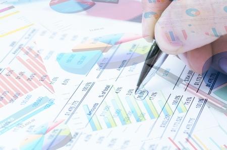 Photo pour Various type of financial and investment products in Bond market. i.e. REITs, ETFs, bonds, stocks. Sustainable portfolio management, long term wealth management with risk diversification concept. - image libre de droit
