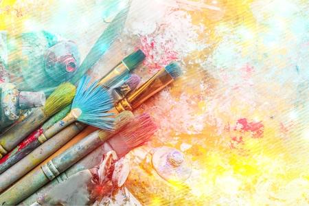 Photo pour Row of artist paint brushes on background - image libre de droit